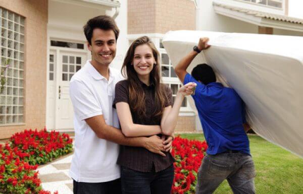 """דירה להשקעה – צביקה דורון מומחה נדל""""ן מרצה על הסיבות לקניית דירה להשקעה!"""